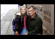 Dad Returns Home From Iraq to Surprise Daughter